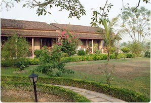 Unique Wildlife Resort Chitwan Hotels Resorts Lodge Camp Guest House In Chitwan Accommodation Hotels Resorts In Chitwan National Park Hotels In Nepal Nepal Hotels Nepal Hotel Accommodation In Kathmandu Kathmandu Accommodation Nepal